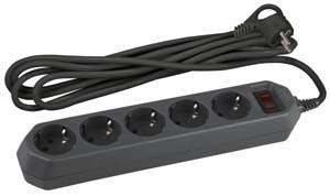 ЭРА USF-5es-3m-B Сетевой фильтр на 5 гнезд с заземлением и выключателем, 10А, 2200Вт, сечение провода 3x0, 75мм2, длина провода 3м, черный